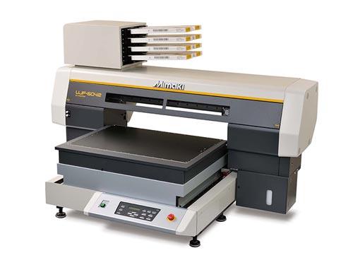 УФ принтер для нанесения логотипа УФ-печатью.